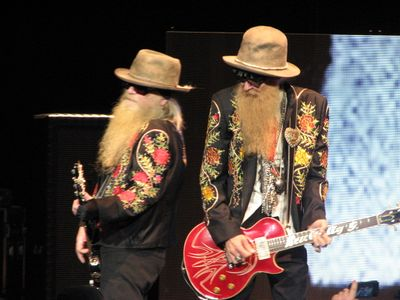 Dusty Hill and Billy Gibbons (2)